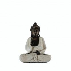 Buda meditando vestido de blanco